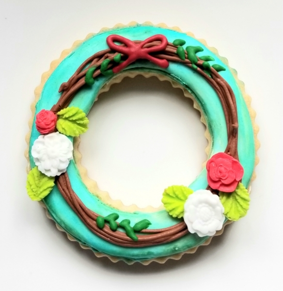 Floral Grape Vine Wreath Cookie