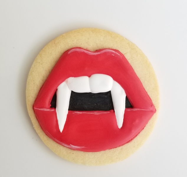 Sultry lips with Fangs Cookie