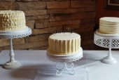 3 single tiered wedding cake