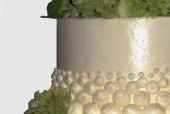 Pearl necklace wedding cake detail