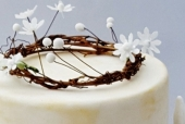 Woodland wedding cake detail