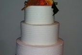Peach ombre wedding cak